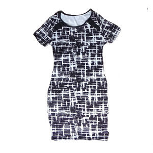 Dresses & Skirts - NEW Smooth Stretch Printed Black & White Dress - L